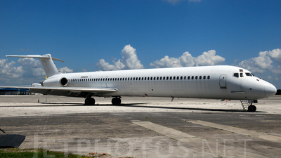 A picture of N982CA - McDonnell Douglas MD83 - [49415] - © Agustin Anaya