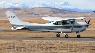 A picture of CGROU - Cessna R182 Skylane RG - [R18201958] - © Mike MacKinnon