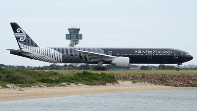 ZK-OKQ - Boeing 777-319ER - Air New Zealand