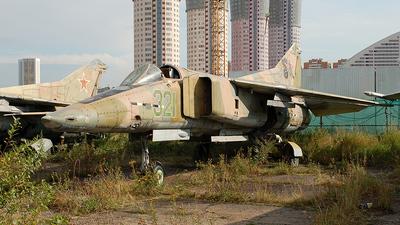 321 - Mikoyan-Gurevich MiG-23BN Flogger H - Russia - Air Force