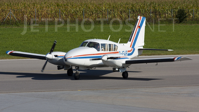 D-IEWR - Piper PA-23-250 Aztec D - Private