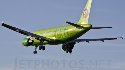 VQ-BDE - Airbus A320-214 - S7 Airlines