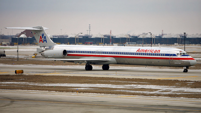 N7517A - McDonnell Douglas MD-82 - American Airlines