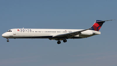 N925DL - McDonnell Douglas MD-88 - Delta Air Lines