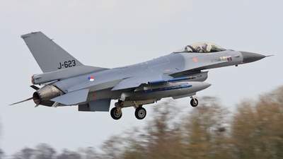 A picture of J623 -  - [] - © Aw Stam