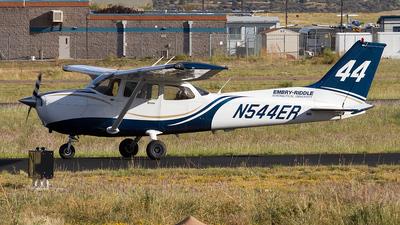 A picture of N544ER - Cessna 172S Skyhawk SP - [172S10526] - © Felipe Garcia