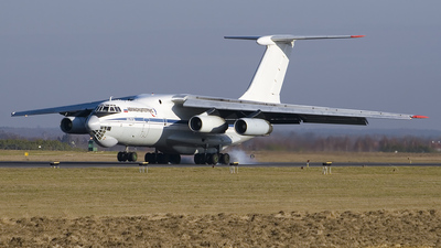 A picture of RA76483 - Ilyushin Il76TD - VolgaDnepr Airlines - © Pawel Kasprowicz