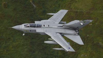 ZD895 - Panavia Tornado GR.4 - United Kingdom - Royal Air Force (RAF)