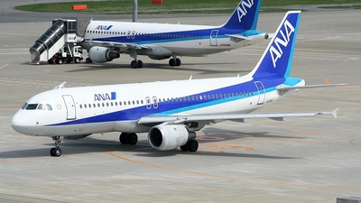 JA201A - Airbus A320-211 - All Nippon Airways (ANA)