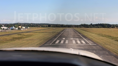 LFCL - Airport - Runway