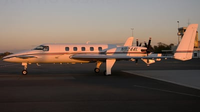 N8244L - Beechcraft 2000A Starship - Private