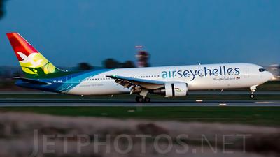 S7-AHM - Boeing 767-37D(ER) - Air Seychelles