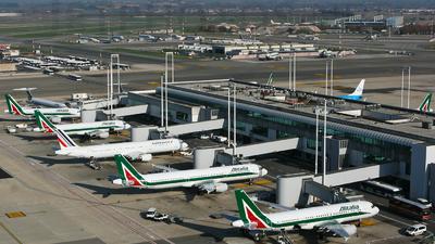 LIRF - Airport - Ramp