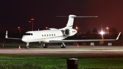 A picture of N144KK - Gulfstream V - [559] - © Kornel Mierzwinski