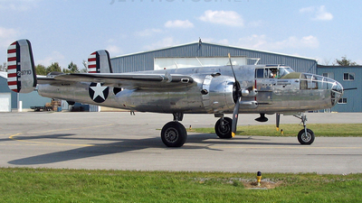NL1042B - North American B-25J Mitchell - Private