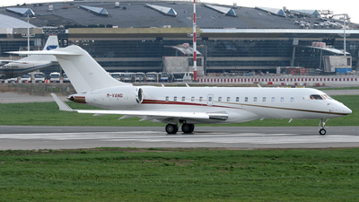 M-VANG - Bombardier BD-700-1A10 Global Express - Private
