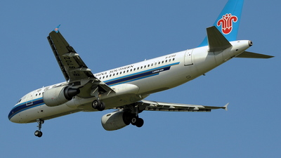 B-6702 - Airbus A320-214 - China Southern Airlines