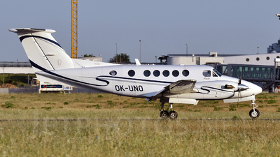 OK-UNO - Beechcraft B200 Super King Air - Air Prague