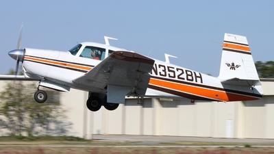 N3528H - Mooney M20C - Private
