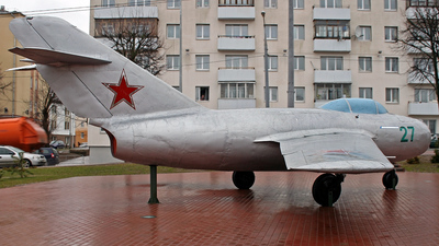 27 - Mikoyan-Gurevich MiG-15bis Fagot - Soviet Union - Air Force
