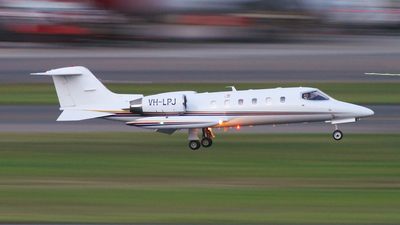 VH-LPJ - Gates Learjet 35A - Private