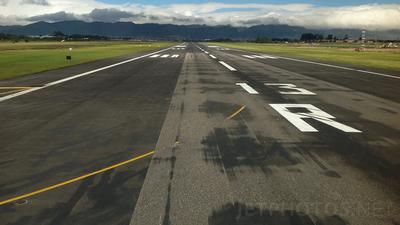 SKBO - Airport - Runway