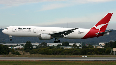 VH-ZXG - Boeing 767-336(ER) - Qantas