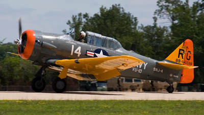 N550SH - North American AT-6D Texan - Private