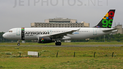 S5-AAA - Airbus A320-231 - Afriqiyah Airways (Adria Airways)