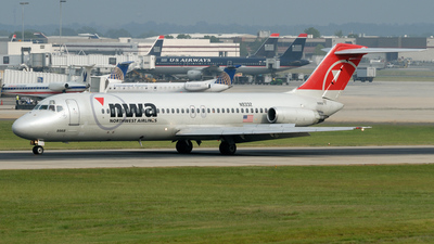 N9332 - McDonnell Douglas DC-9-31 - Northwest Airlines