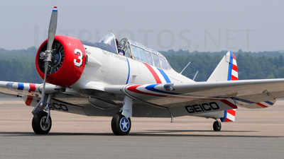 N52900 - North American SNJ-2 Texan - Private