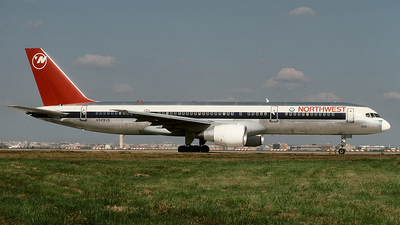 N528US - Boeing 757-251 - Northwest Airlines