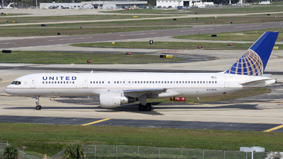 A picture of N523UA - Boeing 757222 - [24932] - © James Bruno