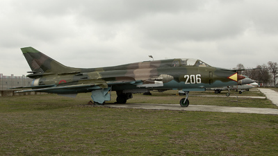 206 - Sukhoi Su-22UM Fitter - Bulgaria - Air Force