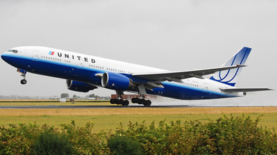 N217UA - Boeing 777-222(ER) - United Airlines