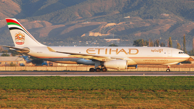 A6-DCA - Airbus A330-243F - Etihad Crystal Cargo