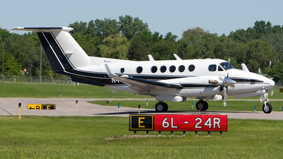 A picture of N44MR - Beech B200C Super King Air - [BL27] - © Jeremy D. Dando