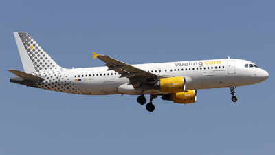EC-HQJ - Airbus A320-214 - Vueling Airlines