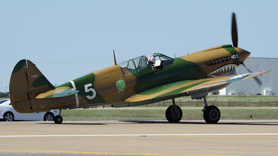 NL40PN - Curtiss P-40N Warhawk - Private