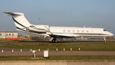 A picture of N332MM - Gulfstream G550 - [5283] - © Erwin van Hassel