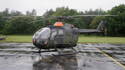 87-53 - MBB Bo105P1 - Germany - Army