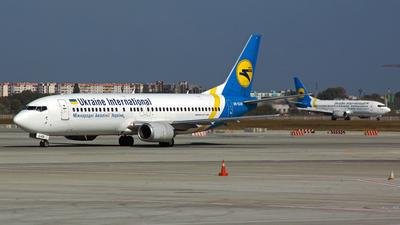 UR-GAM - Boeing 737-4Y0 - Ukraine International Airlines