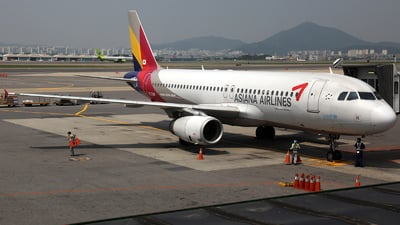 HL7769 - Airbus A320-232 - Asiana Airlines