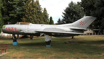 34 - Mikoyan-Gurevich Mig-19PM Farmer D - Hungary - Air Force