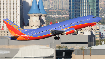 N679AA - Boeing 737-3A4 - Southwest Airlines