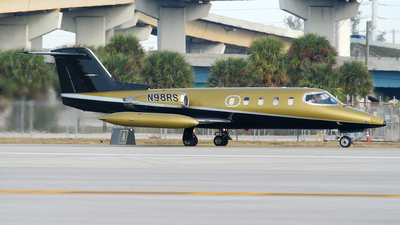 N98RS - Gates Learjet 25B - Private