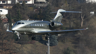 OE-HII - Bombardier BD-100-1A10 Challenger 300 - Amira Air