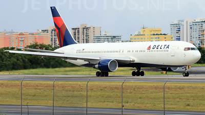 N124DE - Boeing 767-332 - Delta Air Lines