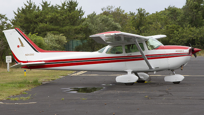 A picture of N64390 - Cessna 172P Skyhawk - [17275552] - © Mike Moro