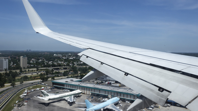 9Y-JMD - Boeing 737-8Q8 - Air Jamaica